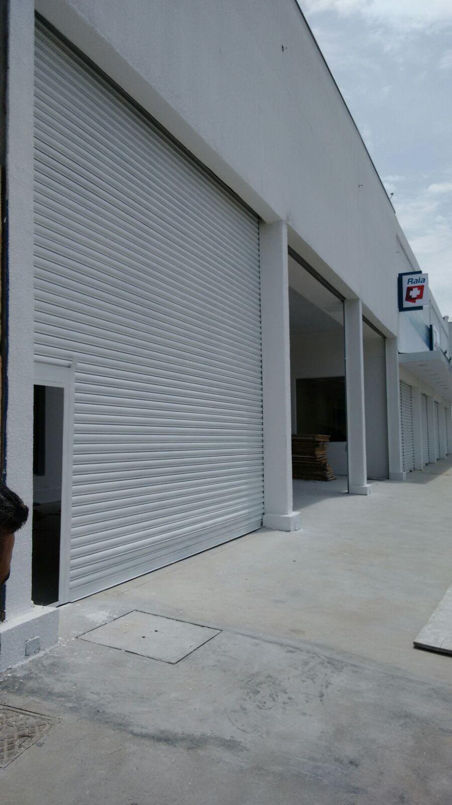 porta de aco de enrolar com portinhola - Porta Automática de Enrolar