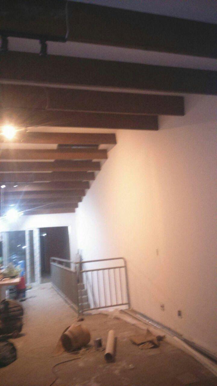 Telhado-Forro-Sala-e-Cozinha-Interligada - Telhado Sob Medida Reforma Manutenção Telha Romana
