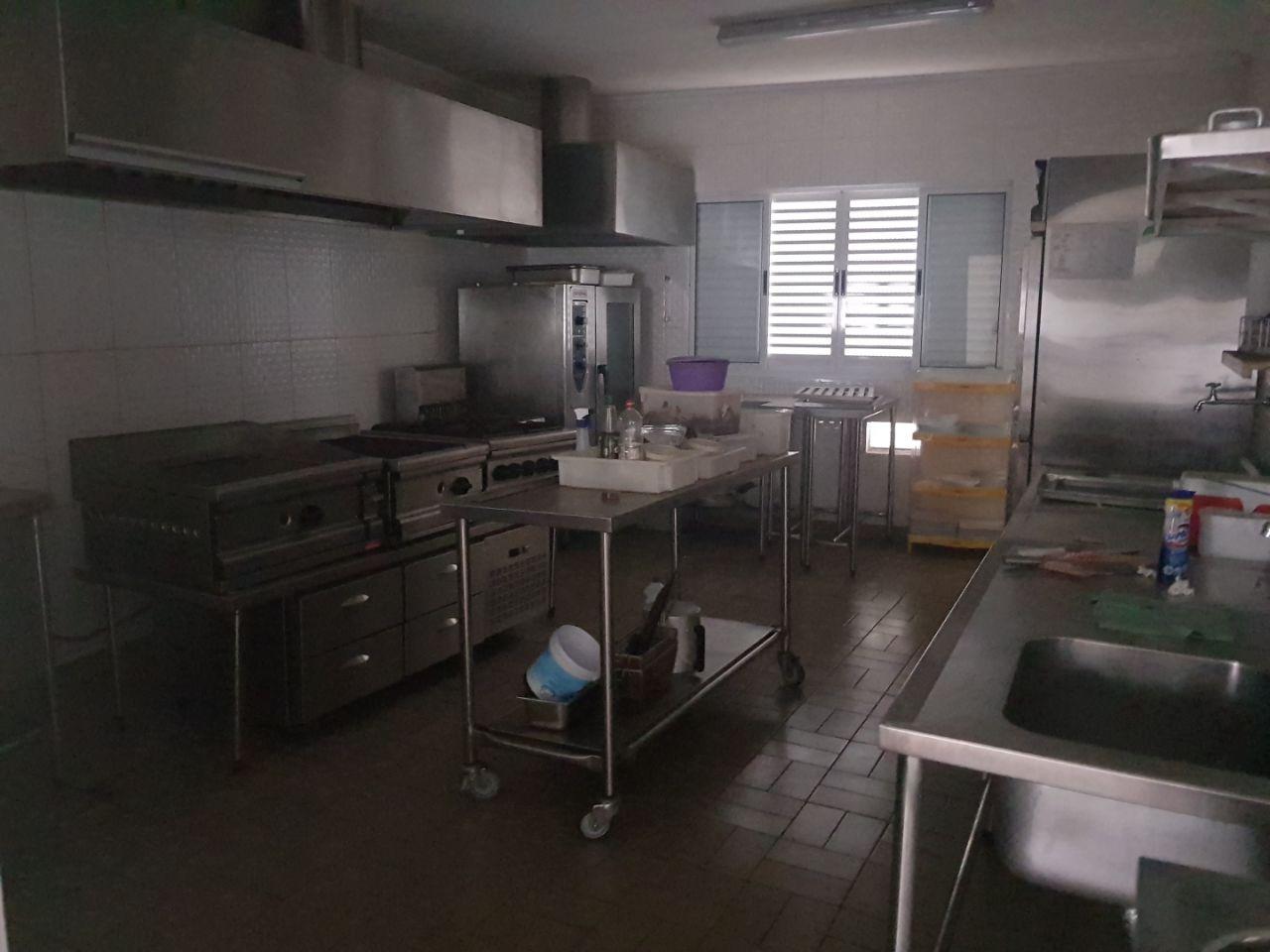 Vende-se Padaria e Restaurante Instalação Luxo - Ponto Comercial
