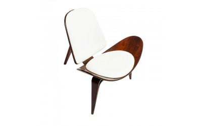 Tabano - Poltrona Hans Wegner Estrutura em madeira e assento estofado