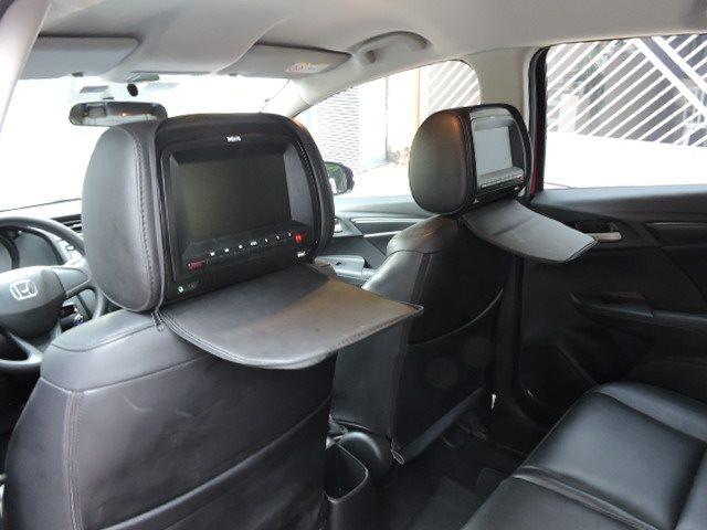 Monitor CD Player para Passageiros no Banco Traseiro - Financie em até 60x fixas um HONDA FIT 1.5 LX 16V FLEX 4P AUTOMÁTICO 2015/2015