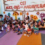 Temos 7 Centros de Educação Infantil conveniados com a prefeitura atendendo a 1221 crianças de 0 a 5 anos. Promovemos ações em prol a comunidade, como distribuição de cestas básicas e Marmitex para as famílias carentes da região.